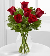 FTD's Simply Enchanting Rose Bouquet